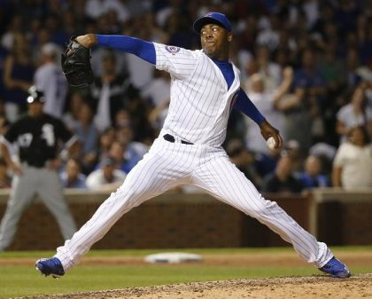 Martin's 2-Run Double Off Chapman Leads M's Over Cubs 4-1