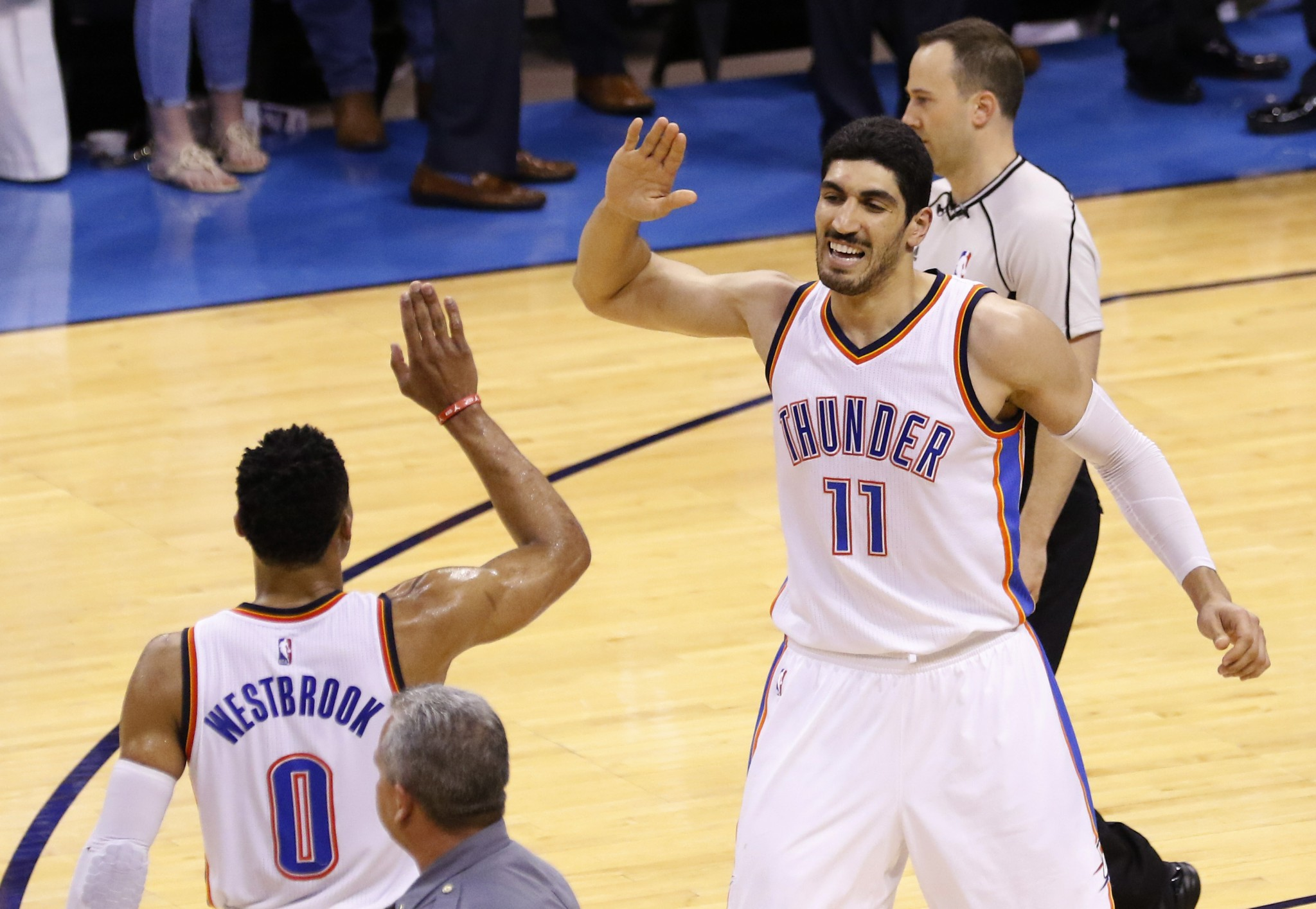 Enes Kanter celebrates Westbrook extension by trolling Lakers f…