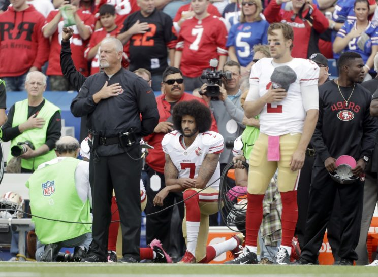 Admiral gets standing ovation for Colin Kaepernick remark at Pe…