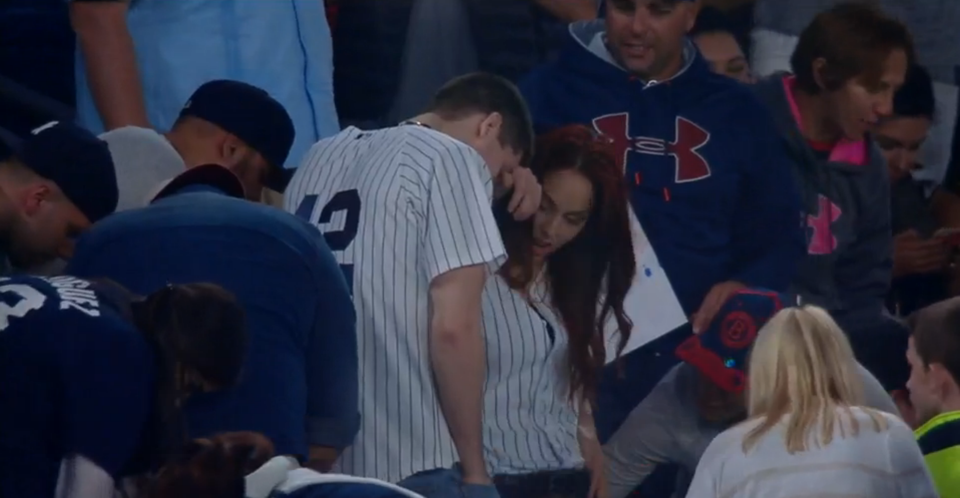 This guy tried to propose at the Yankees game but he dropped th…