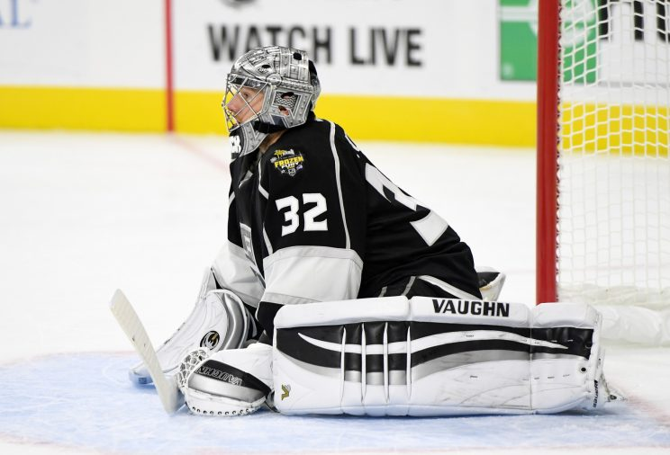 Jonathan Quick leaves Kings vs. Sharks game with injury