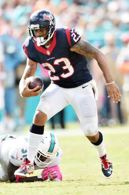 How does Arian Foster fit in Miami Dolphins' depth chart?