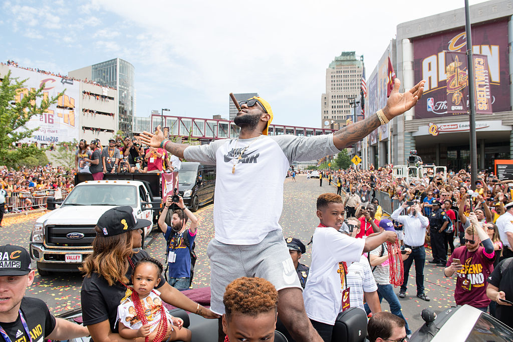 LeBron James is your 2016 Sports Illustrated Sportsperson of th…