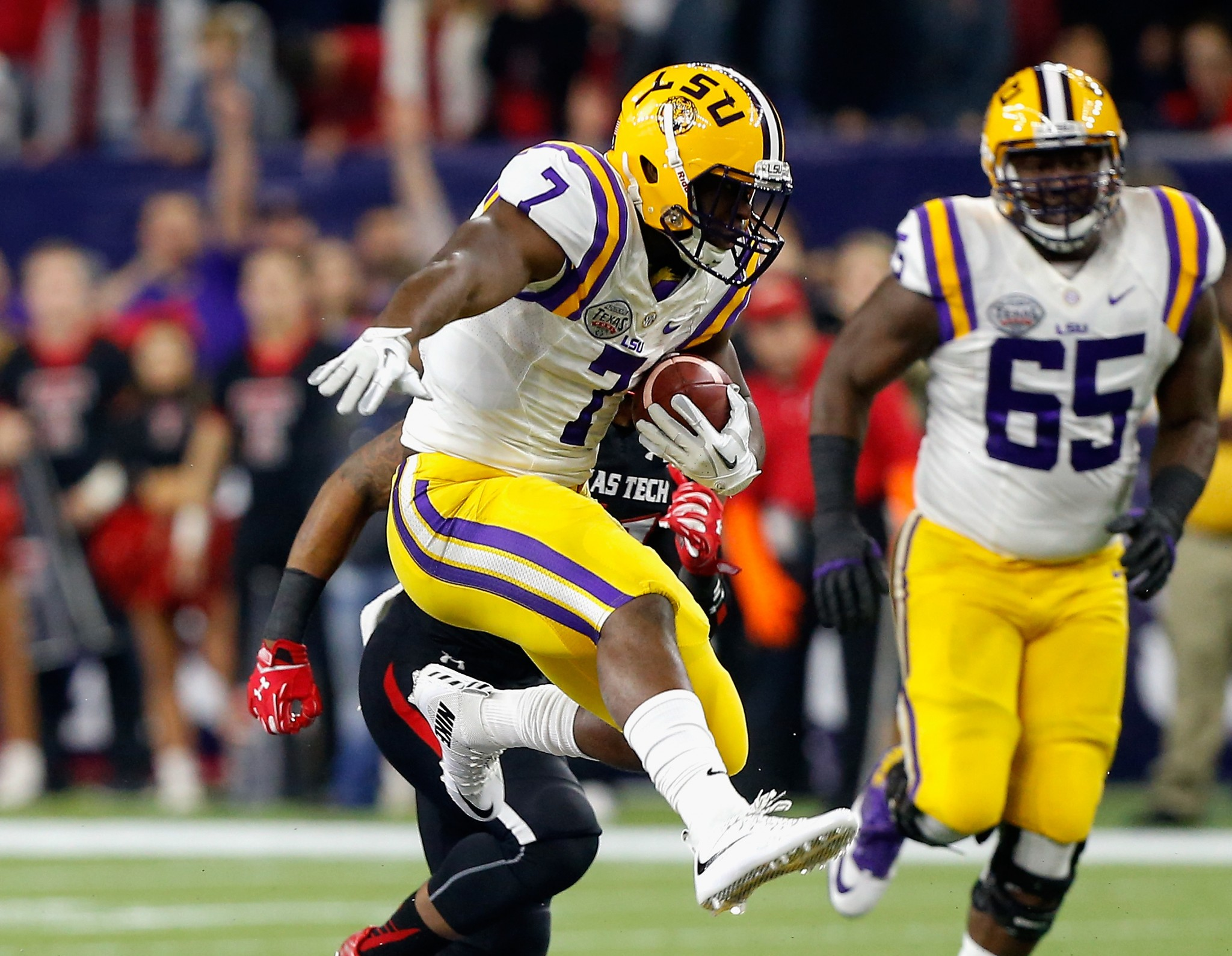 Leonard Fournette is among the Heisman frontrunners for the 2016 season. (AP Photo/Bob Levey, File)