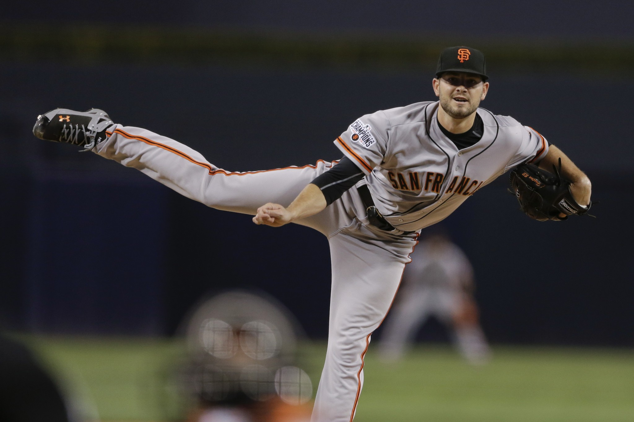 Done Deals: Mariners get Chris Heston in trade with Giants