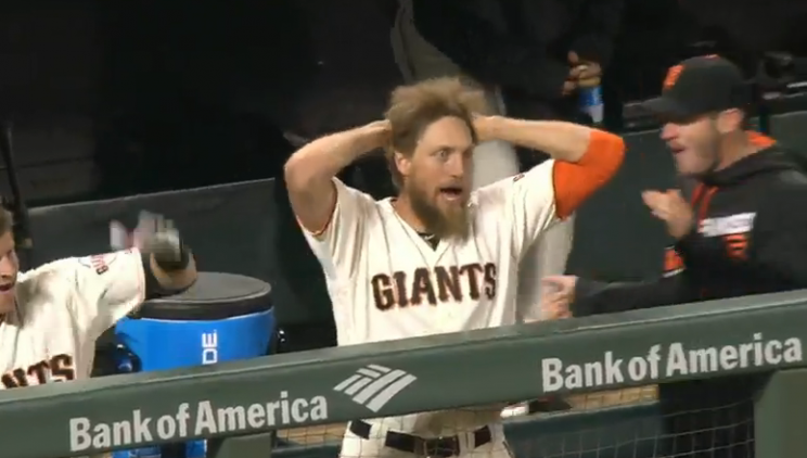 Hunter Pence goes insane after Johnny Cueto's two-run bunt
