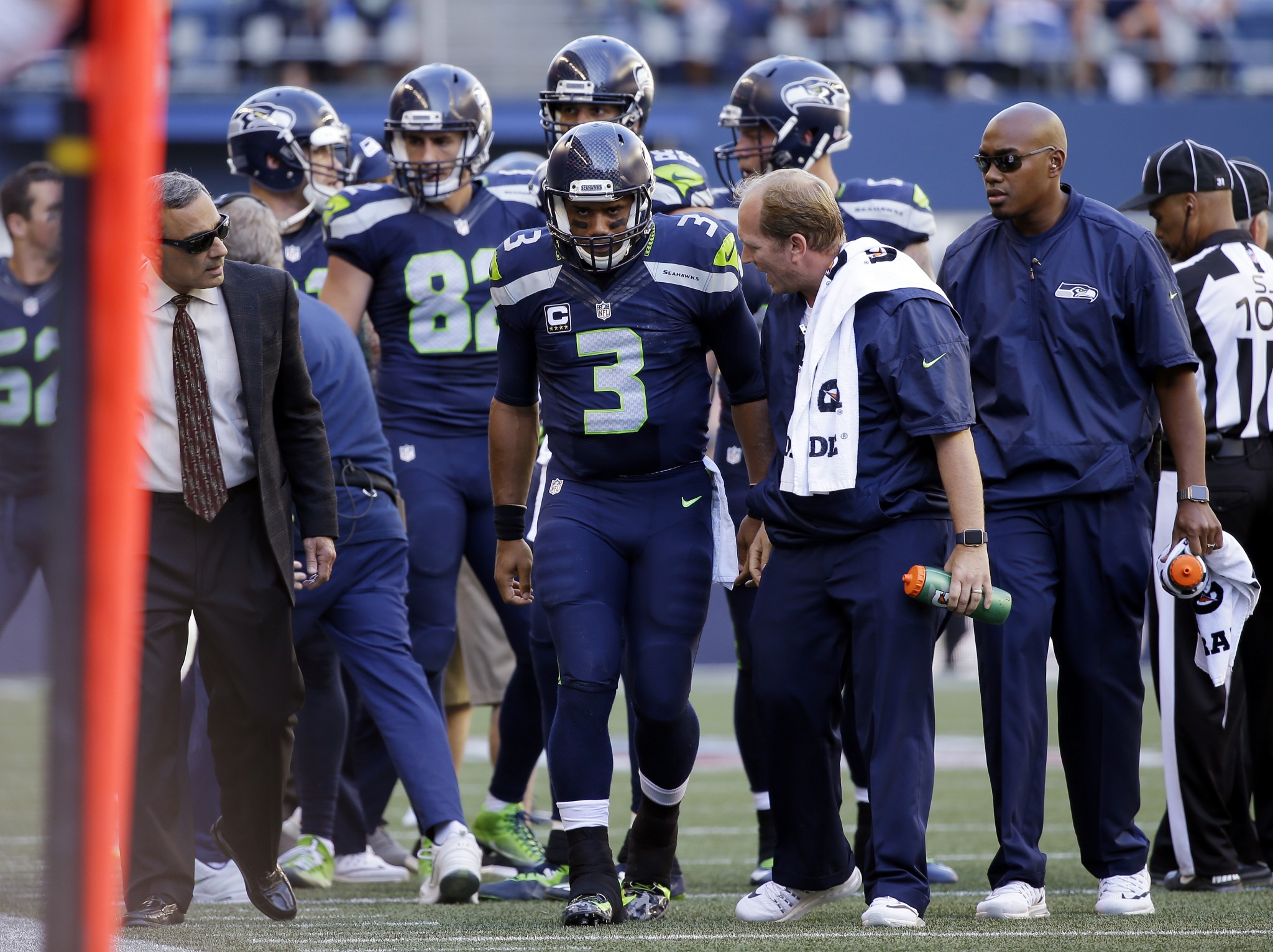 Russell Wilson will have live-in physical therapist, middle-of-…