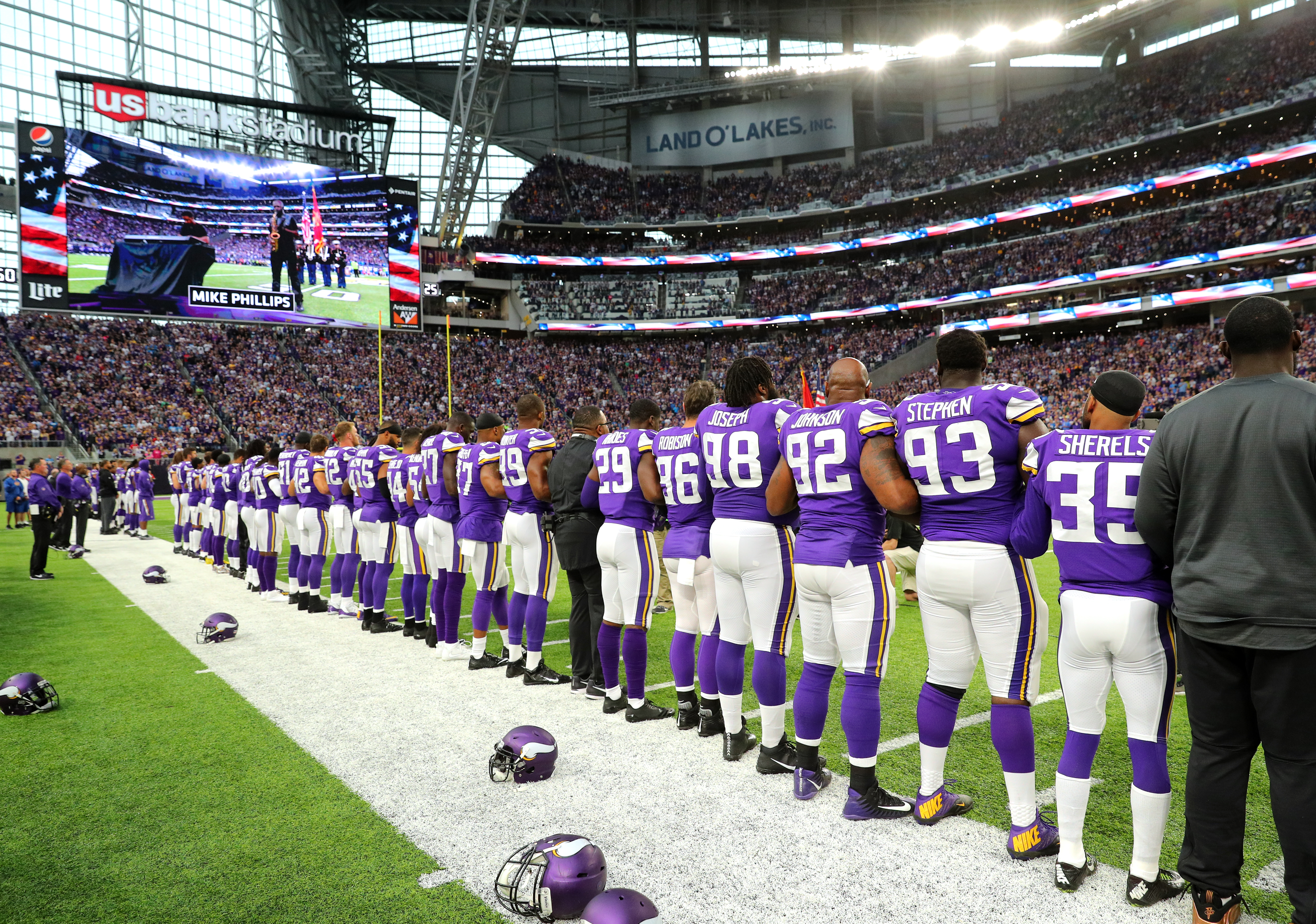 Roger Goodell: NFL wants all players to stand for anthem, won't make them