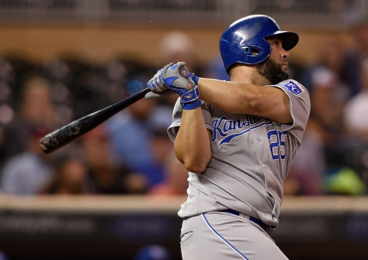 Report: Blue Jays sign Kendrys Morales to three-year deal
