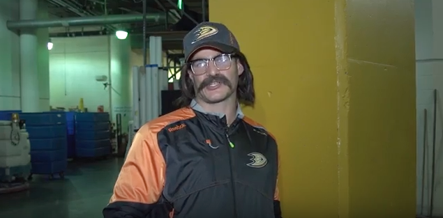 Kevin Bieksa fools Anaheim Ducks, Arizona Coyotes as 'Shovelboy…