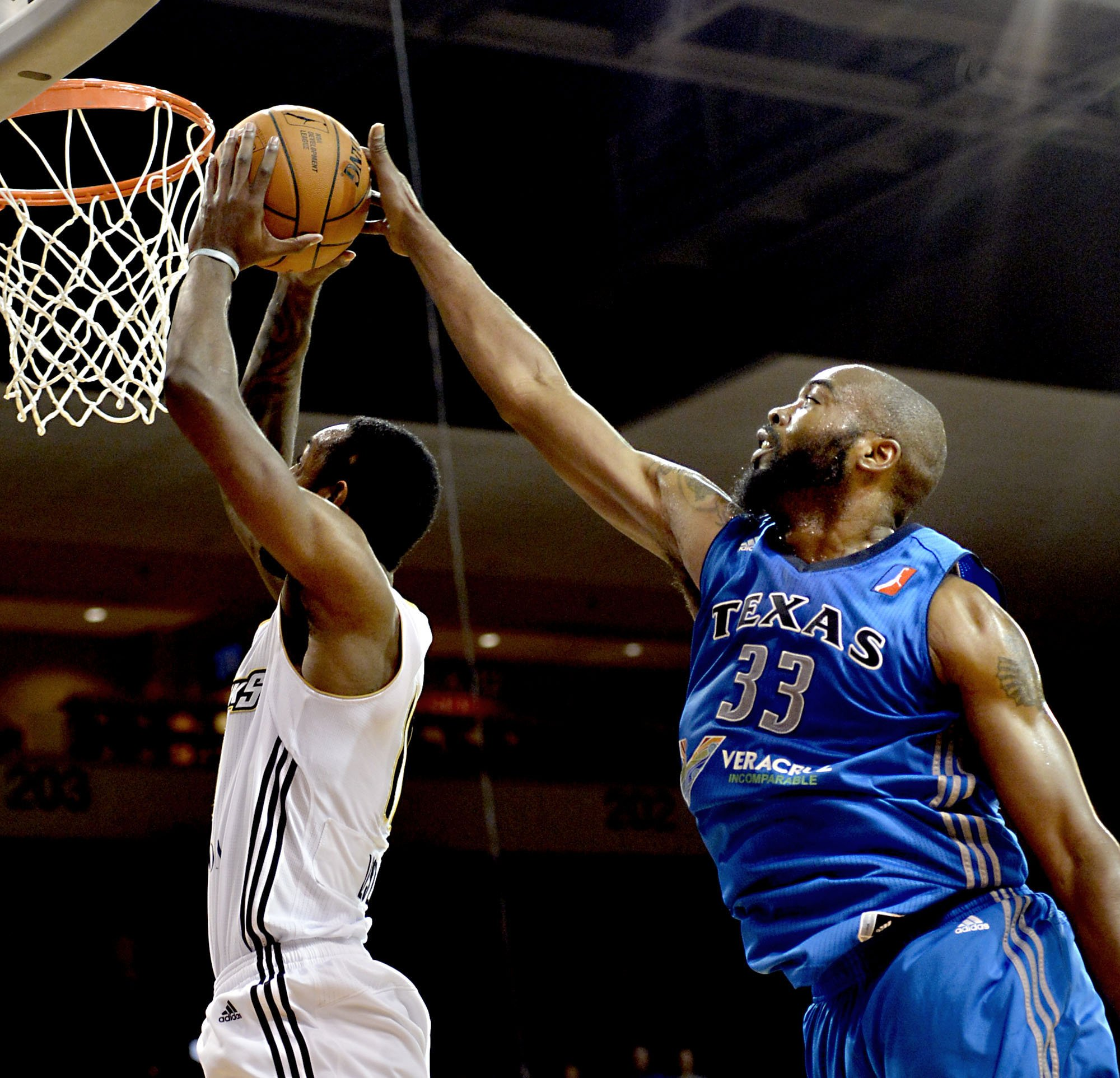 Veteran big man Melvin Ely returns to NBA after 3-year absence …