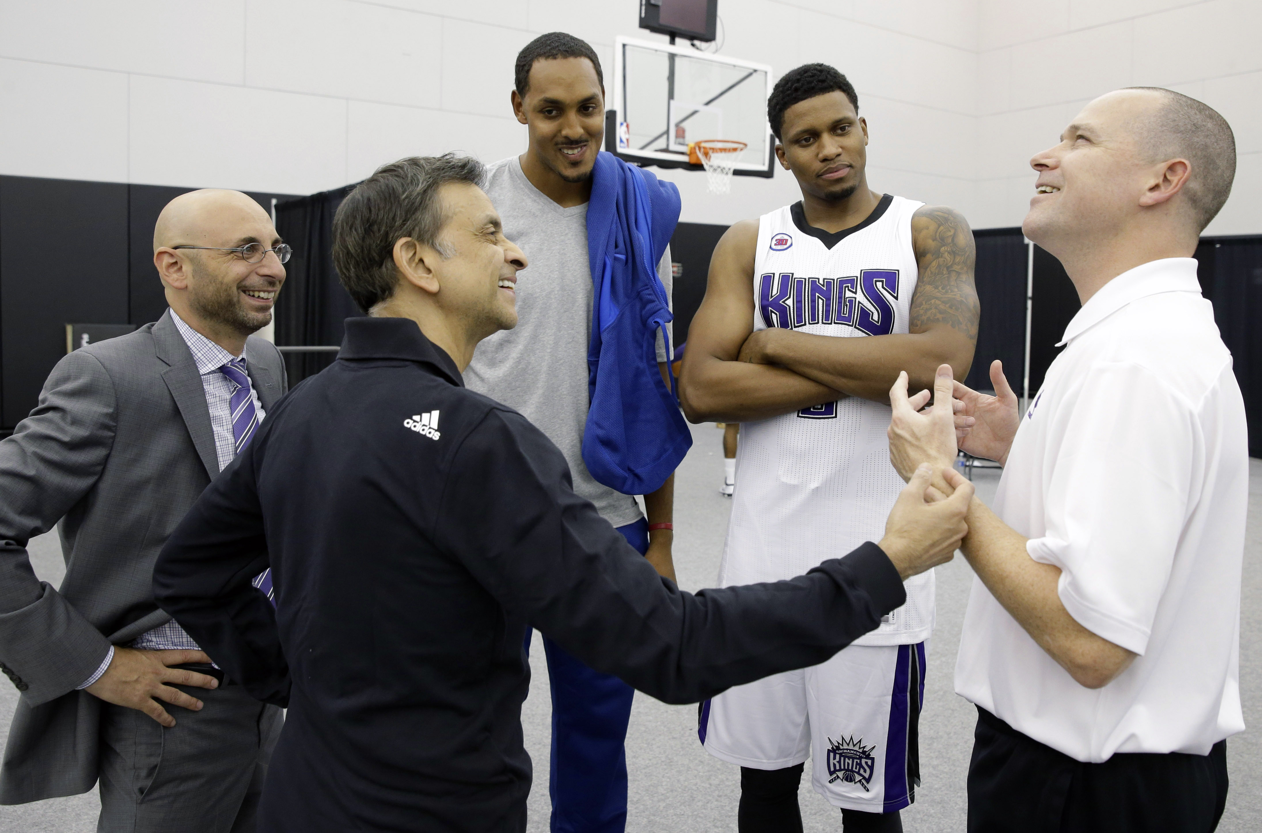 Report: Kings owner Vivek Ranadivé has pitched a 4-on-5 defense…