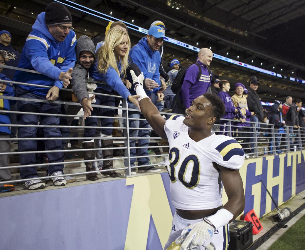 Myles Jack finally comes off the board, goes to improving Jaguars