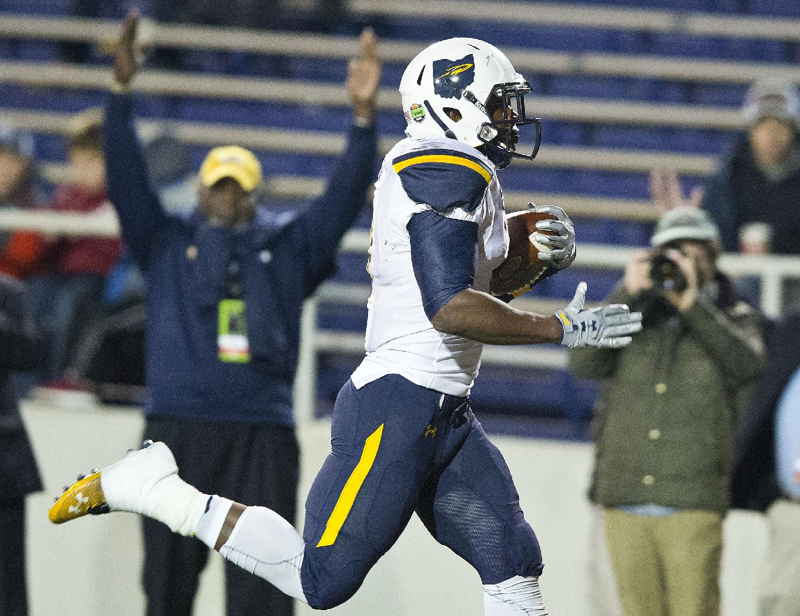 Toledo running back Kareem Hunt (3) runs in for a touchdown during the first half of the GoDaddy Bowl NCAA college football game against Arkansas State in Mobile, Ala. (AP Photo/Brynn Anderson, File)