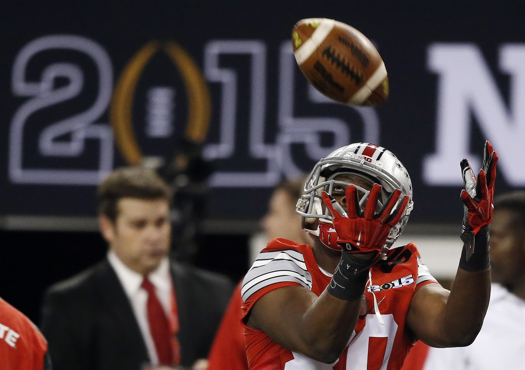 Ohio State's Noah Brown warms up before the NCAA college football playoff championship game against Oregon Monday, Jan. 12, 2015, in Arlington, Texas. (AP Photo/Brandon Wade)