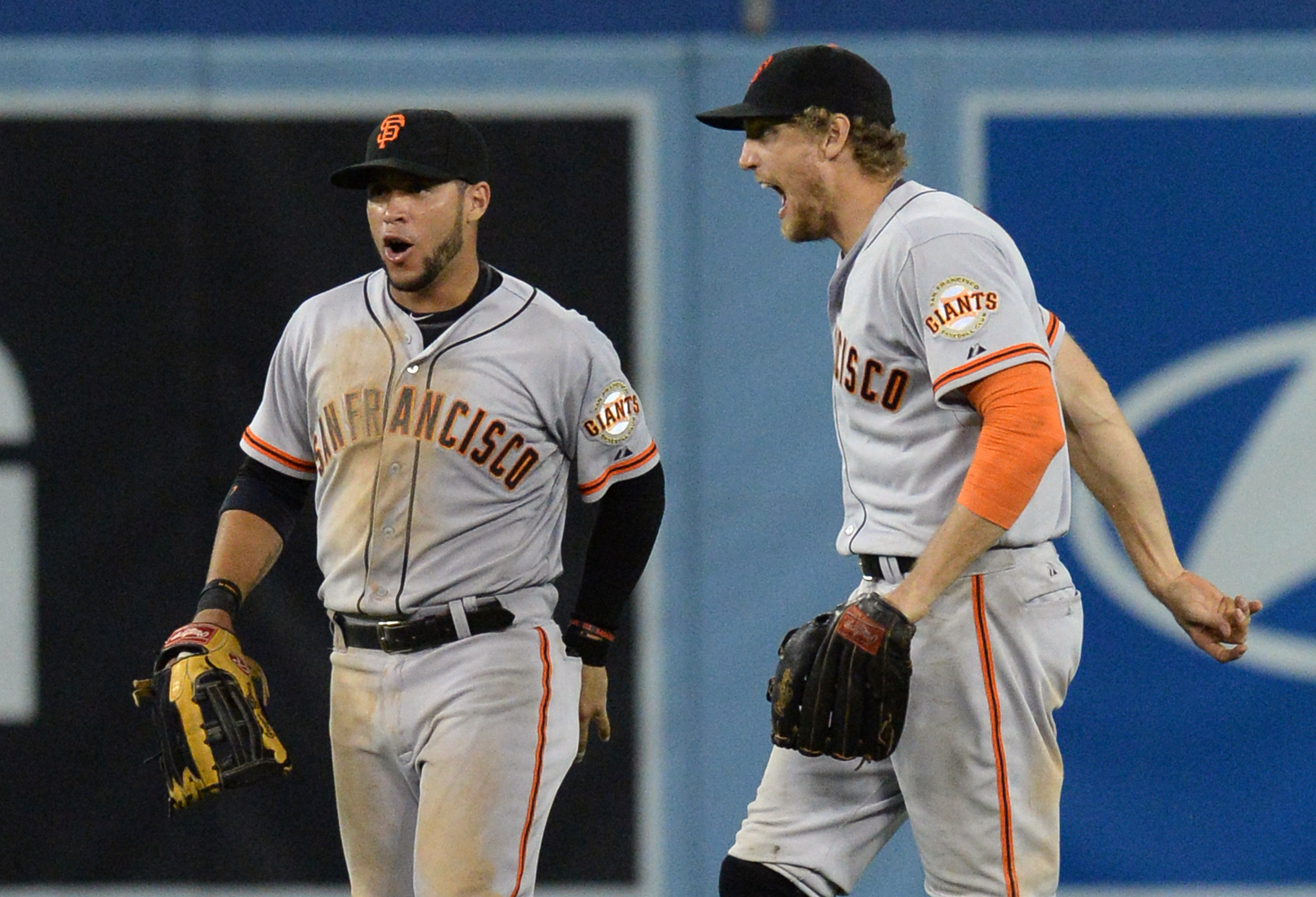 Giants strike first in crucial series against Dodgers, earn dra…