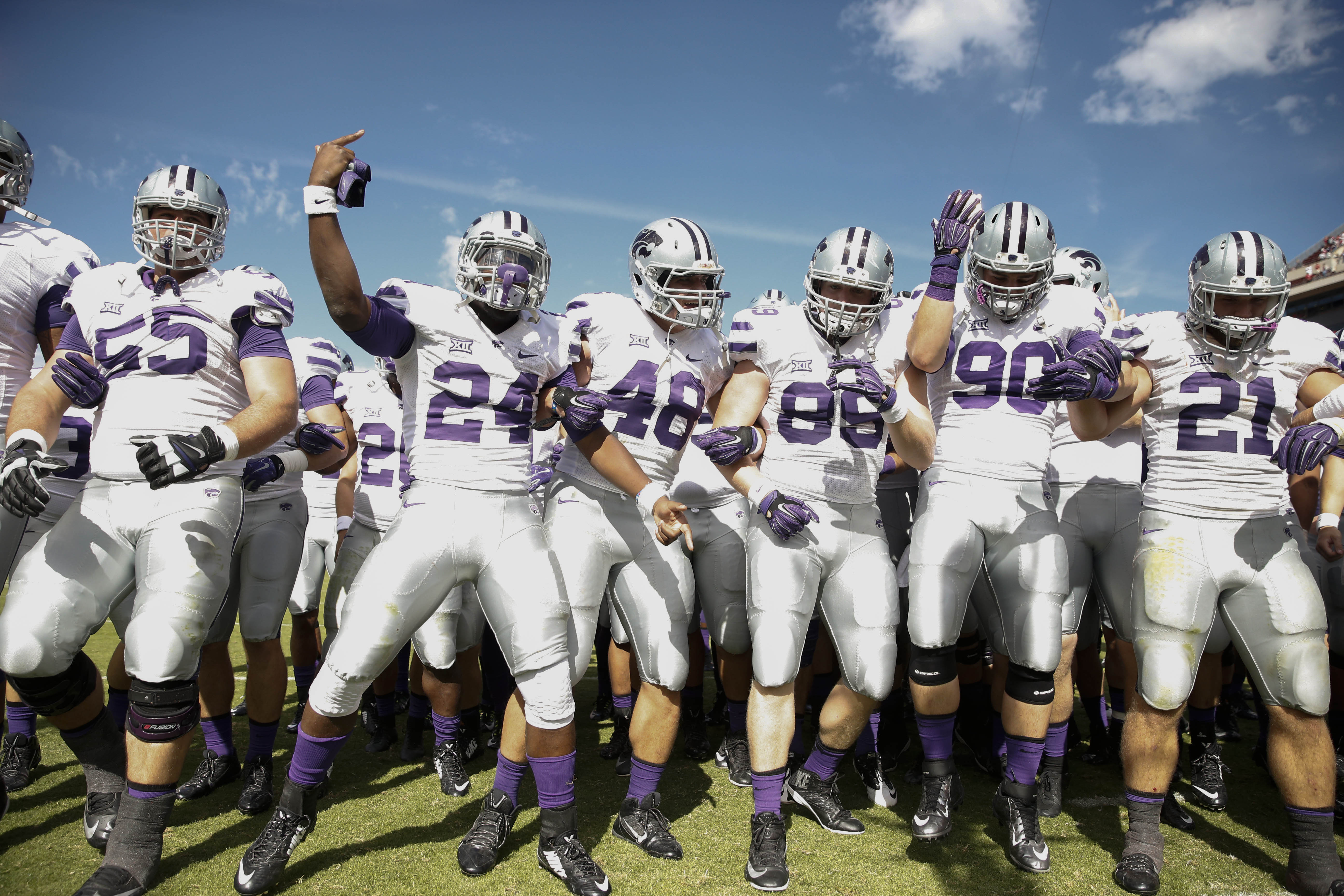 Kansas State Wildcats players celebrate the victory against Oklahoma. (USAT)