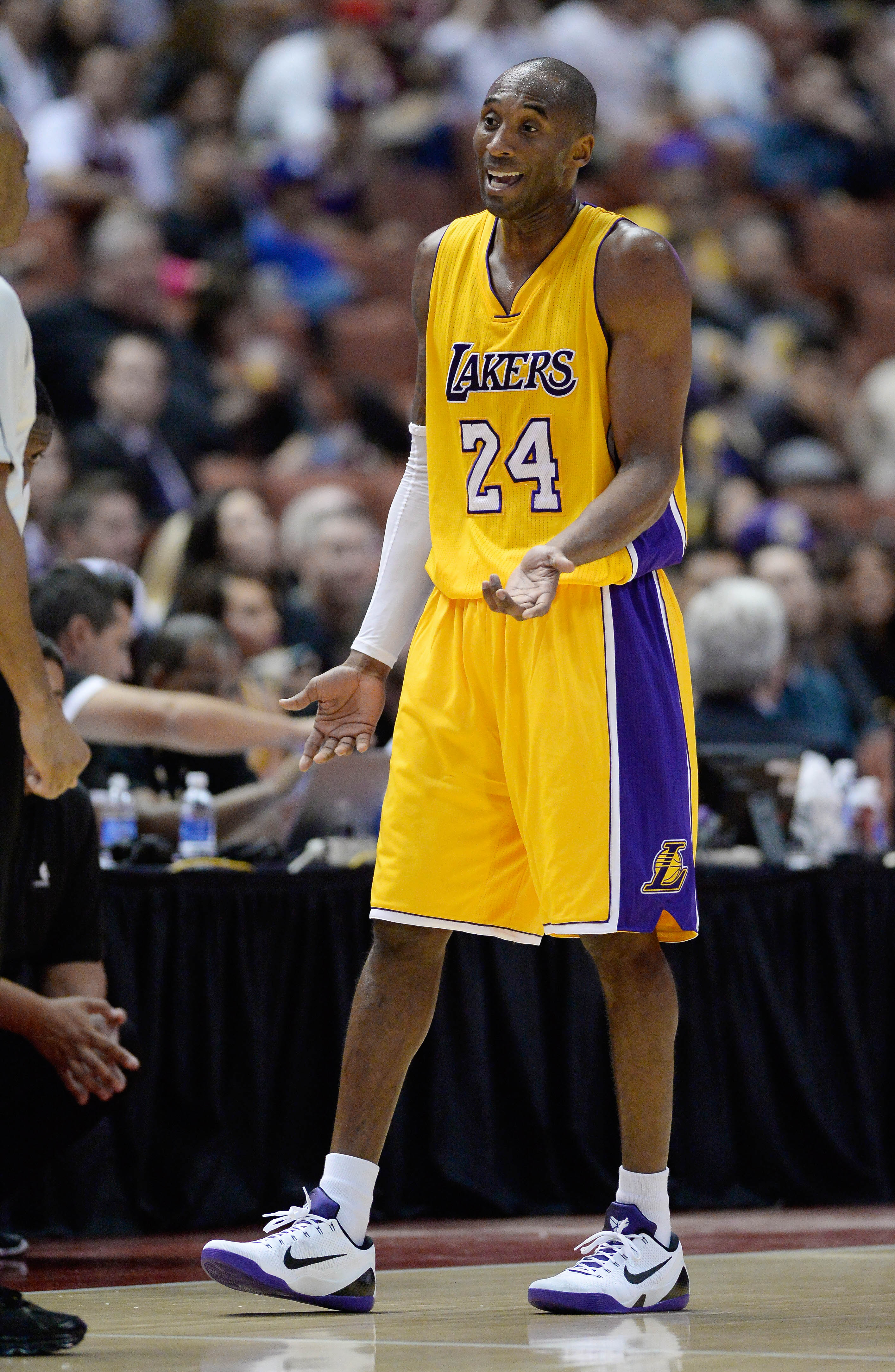 Kobe shrugs off claims he's to blame for Lakers' decline: 'Thin…