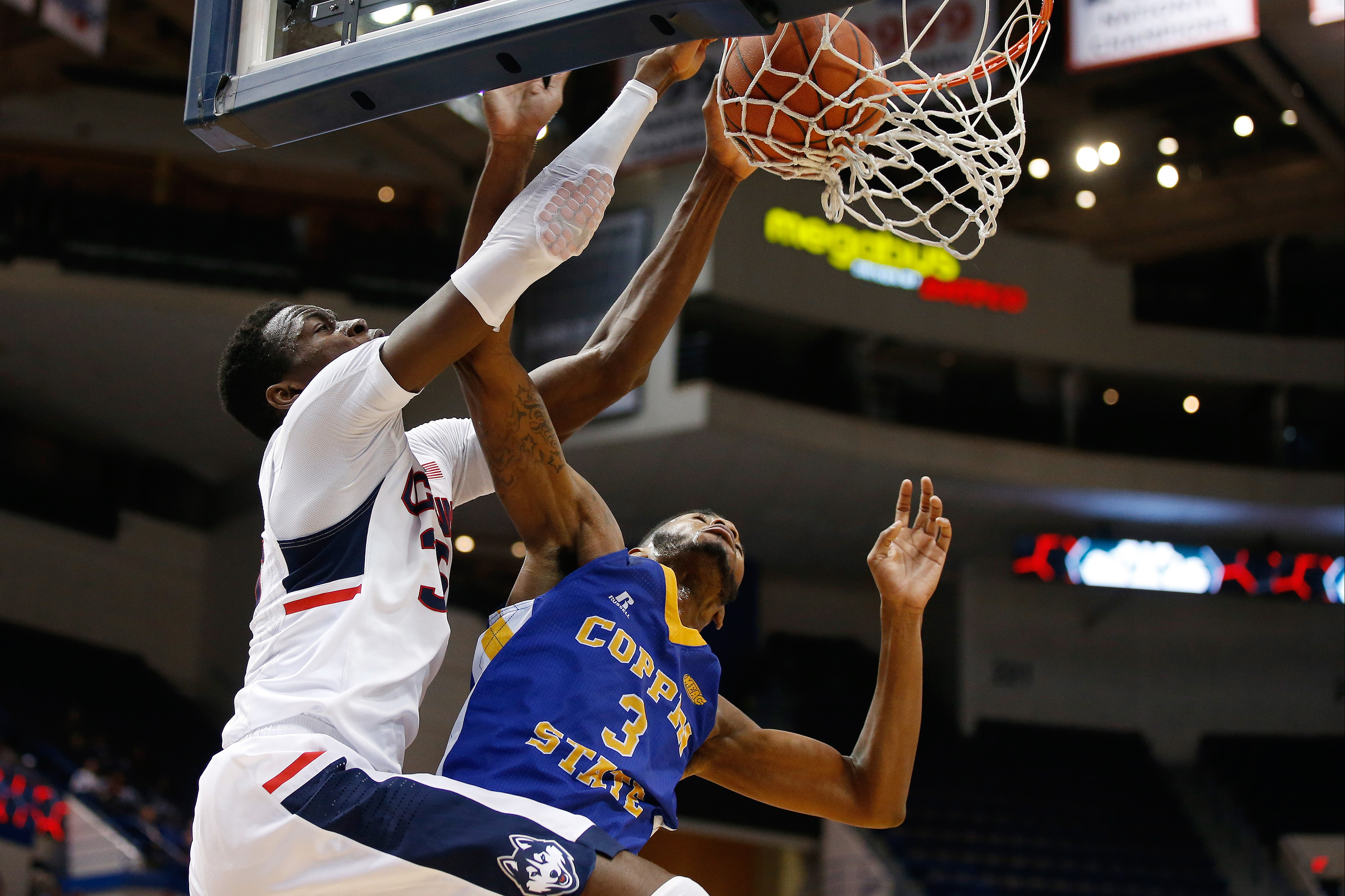Connecticut Huskies center Amida Brimah dunks against Coppin State. (David Butler II-USA TODAY Sports)
