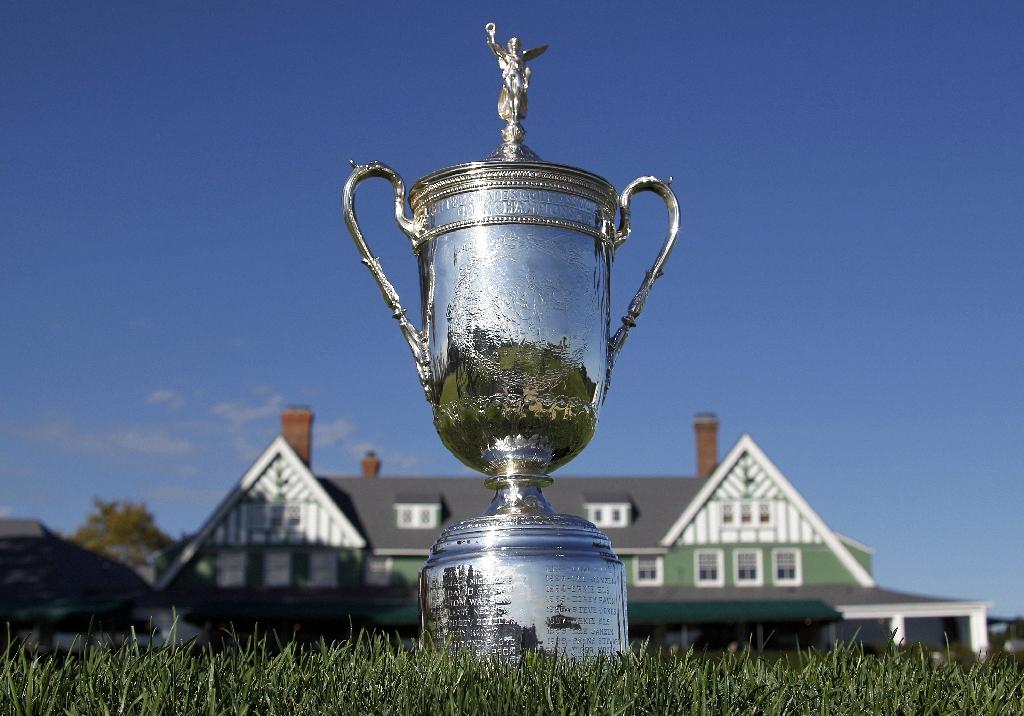 The U.S. Open trophy at Oakmont. (AFP)