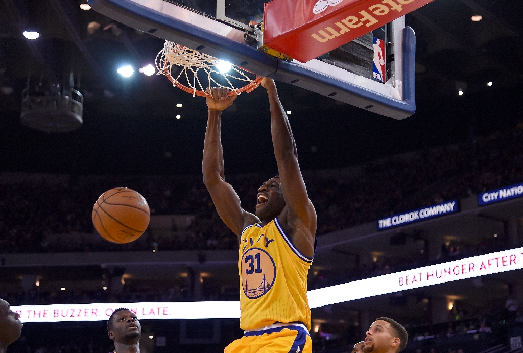 Warriors' Festus Ezeli out at least 6 weeks after knee surgery