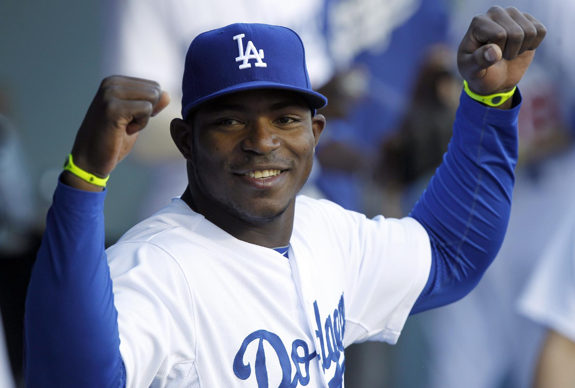 Dodgers' Yasiel Puig should wear $14,100 baseball glove just to…