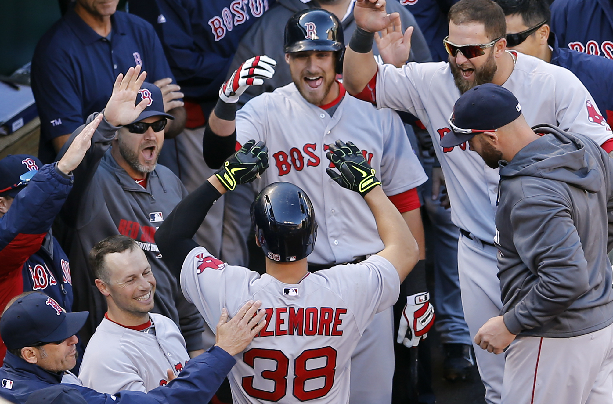 Grady Sizemore homers for Red Sox in first game since 2011