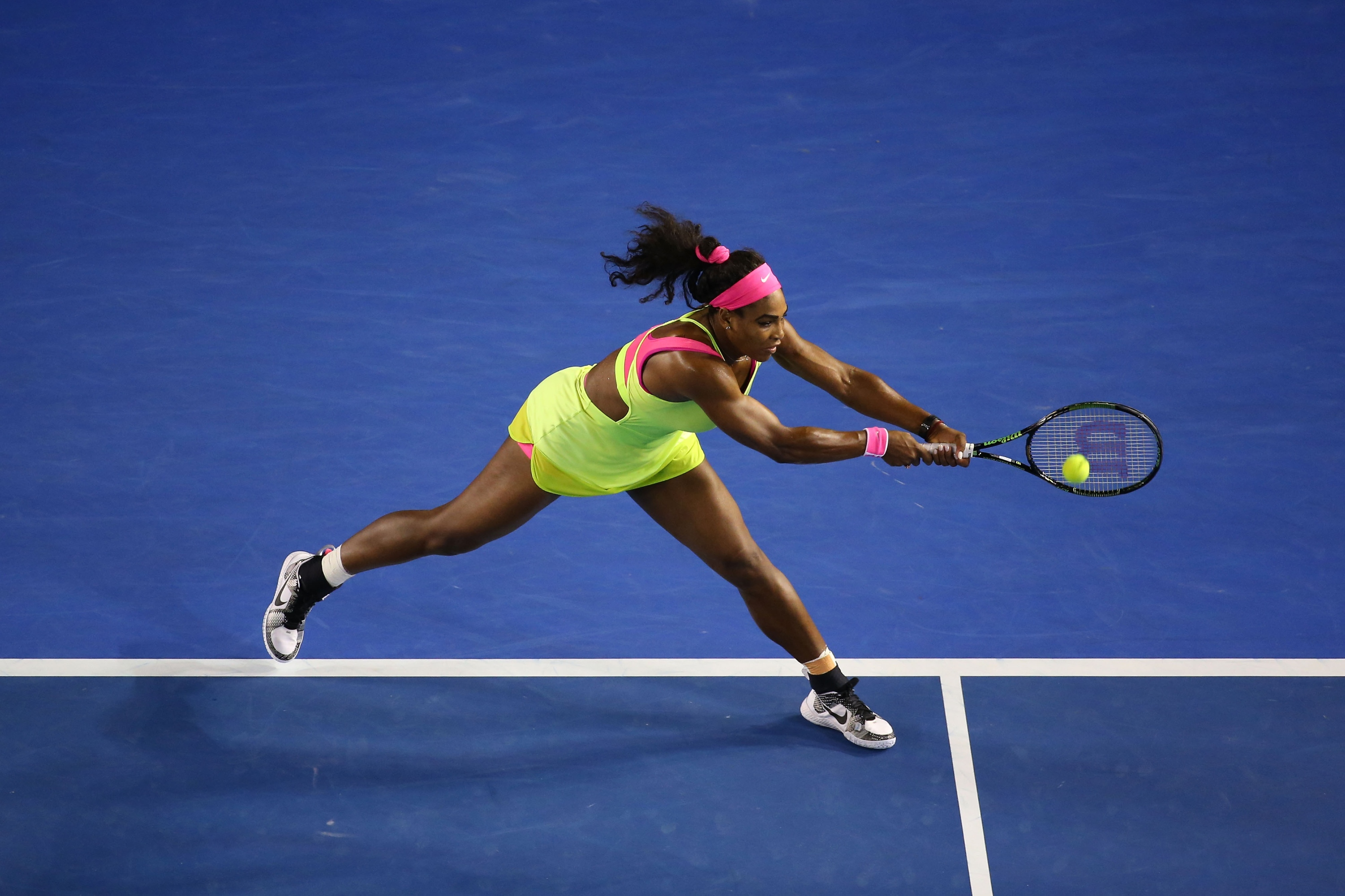 MELBOURNE, AUSTRALIA - JANUARY 31:  Serena Williams of the United States plays a forehand in her women's final match against Maria Sharapova of Russia during day 13 of the 2015 Australian Open at Melbourne Park on January 31, 2015 in Melbourne, Australia.  (Photo by Quinn Rooney/Getty Images)