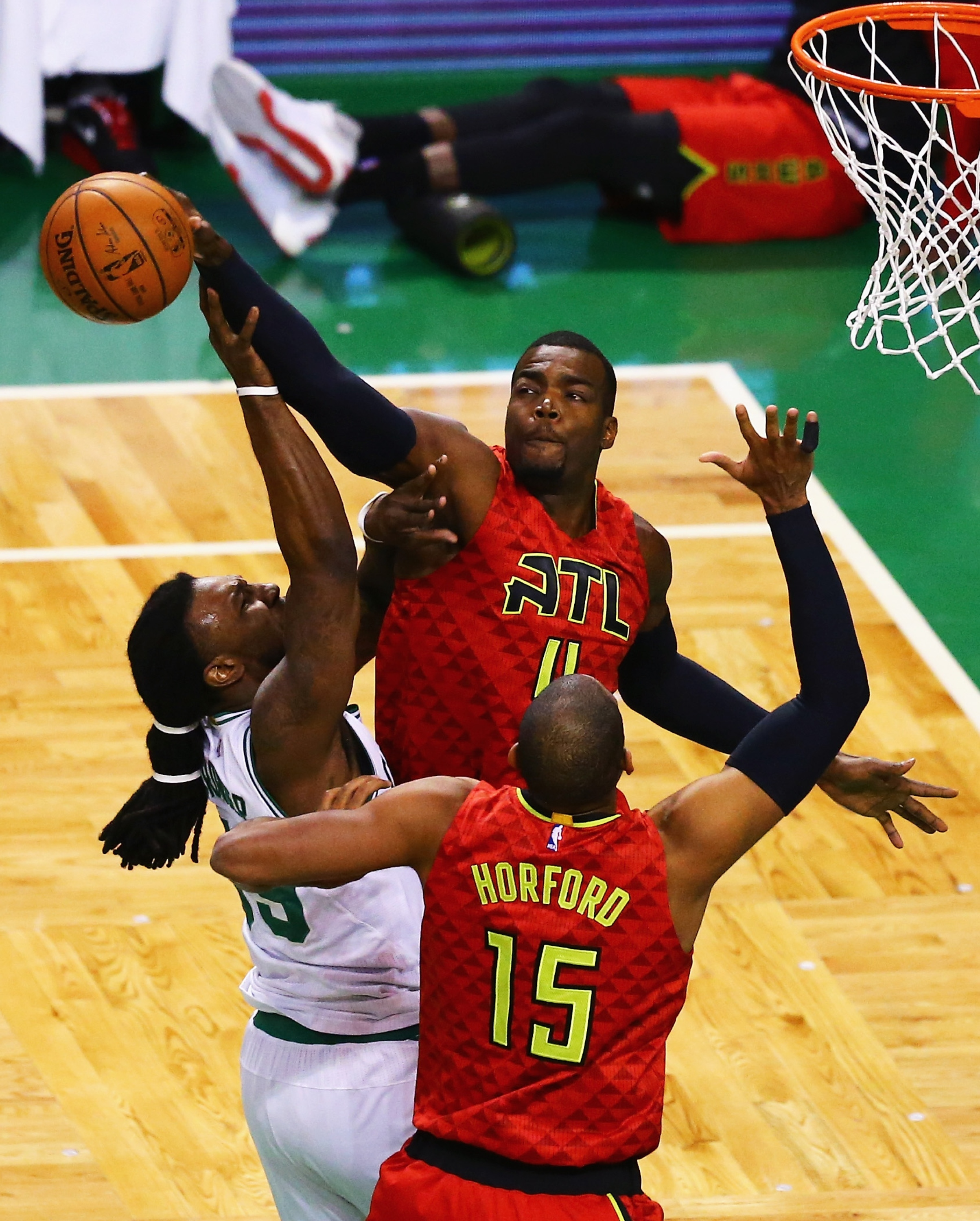 Hawks eliminate punchless Celtics in Game 6, move on to face Ca…
