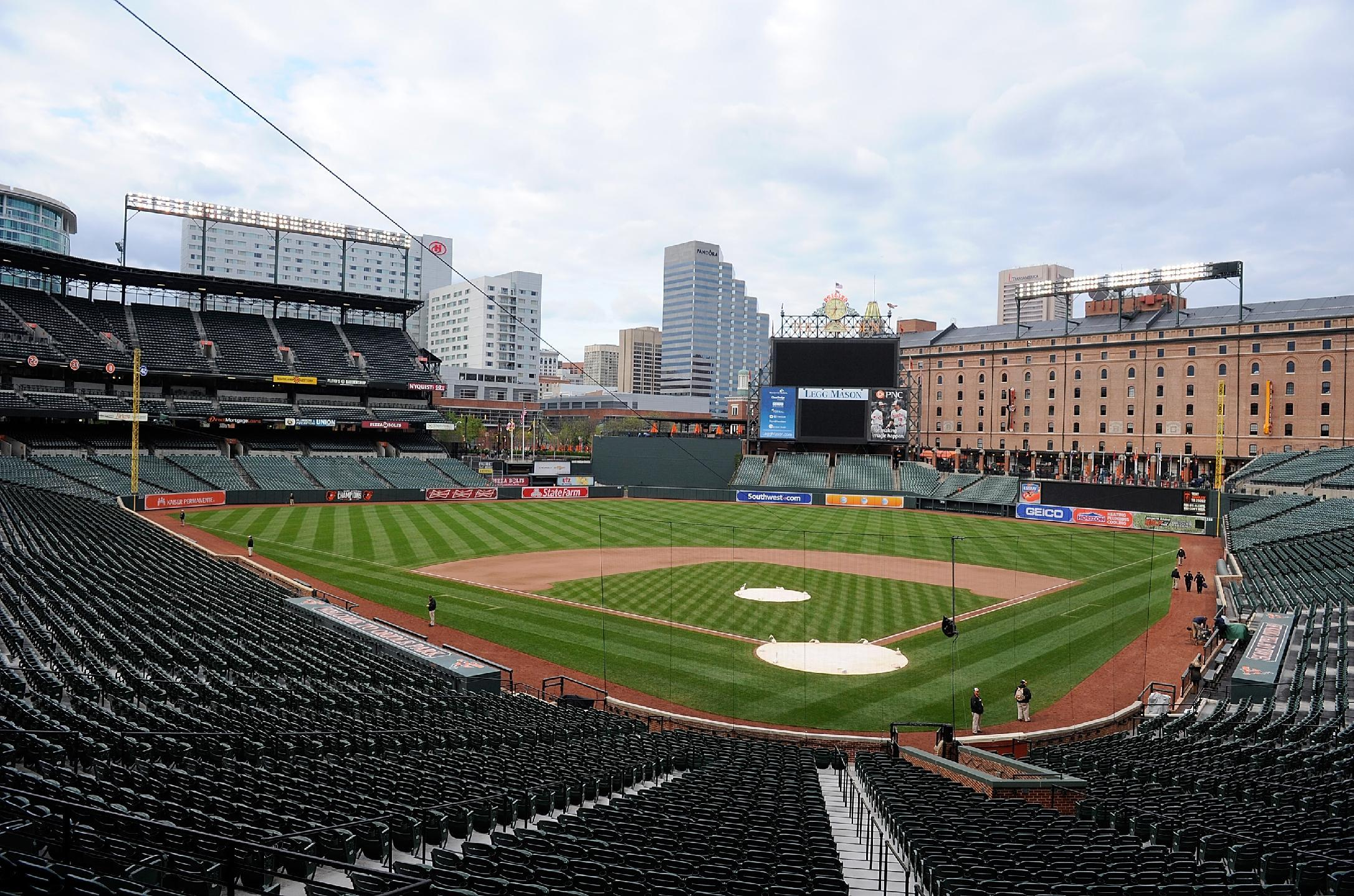 Roundup: Orioles' Game Postponed Over Rioting in Baltimore