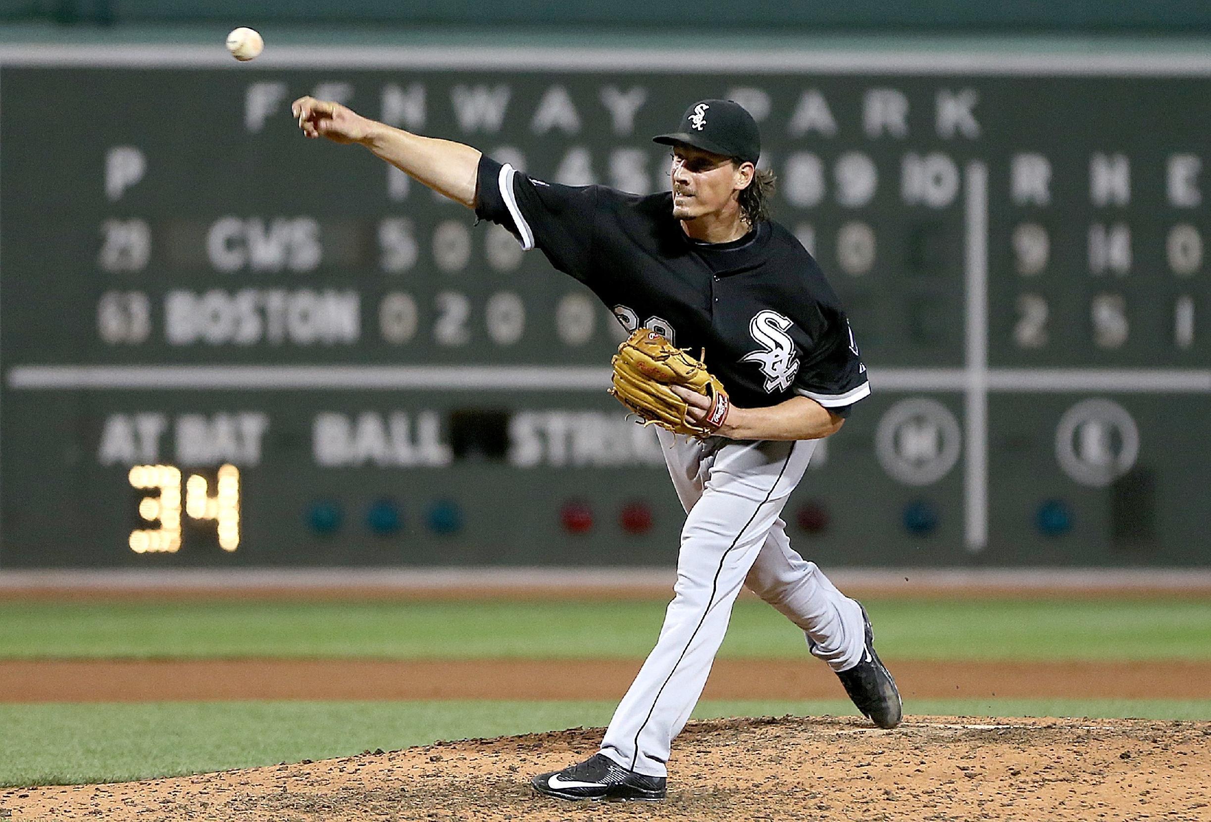 MLB Trade Deadline Digest: Will the White Sox hold Jeff Samardz…