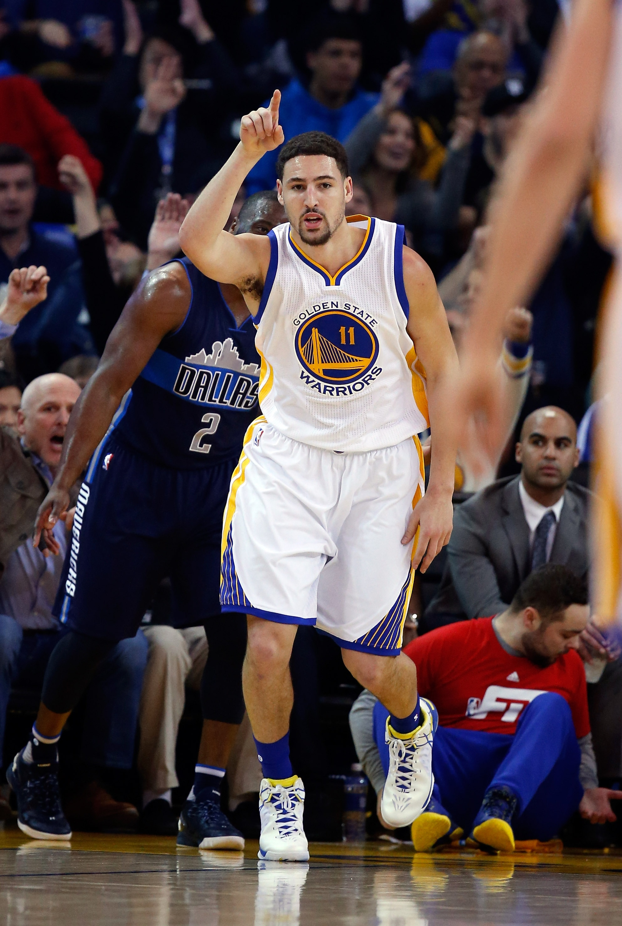 Klay Thompson, Warriors COO slip '73-9' note inside fortune coo…