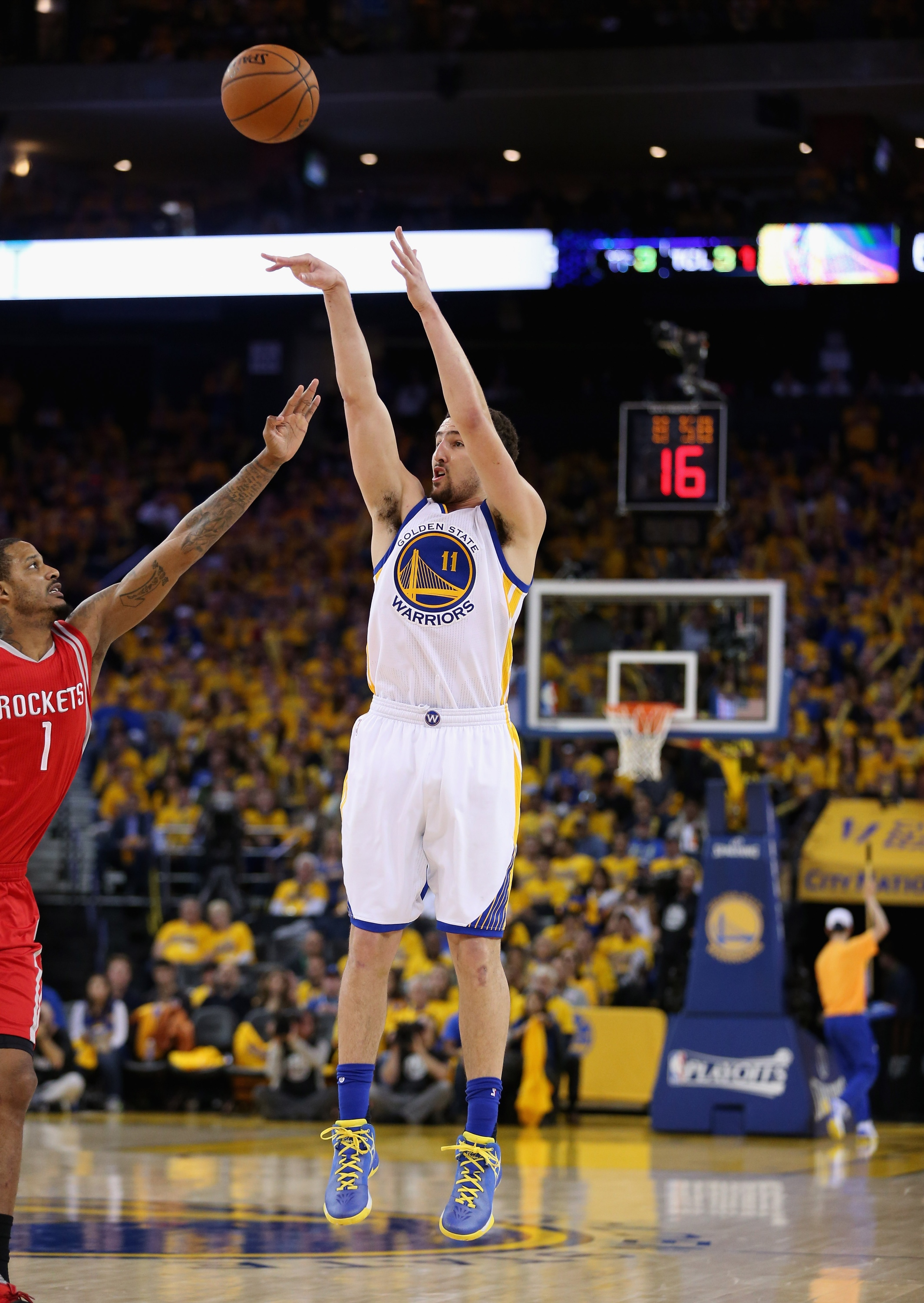 Warriors eliminate Rockets, advance to 2nd round in breezy blow…