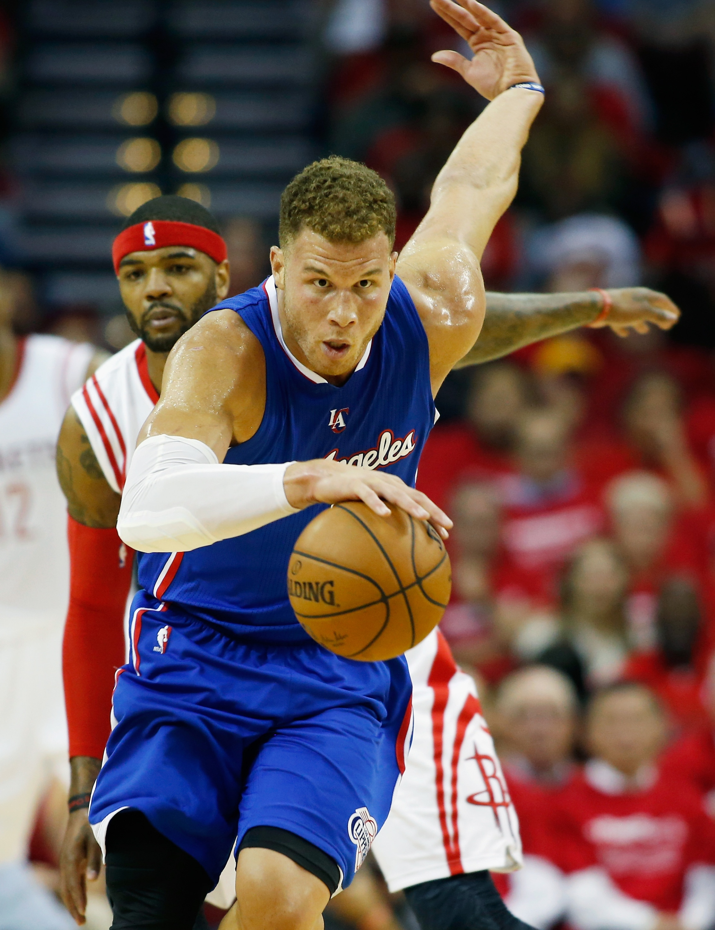 Clippers excel without CP3, steal Game 1 from disappointing Roc…