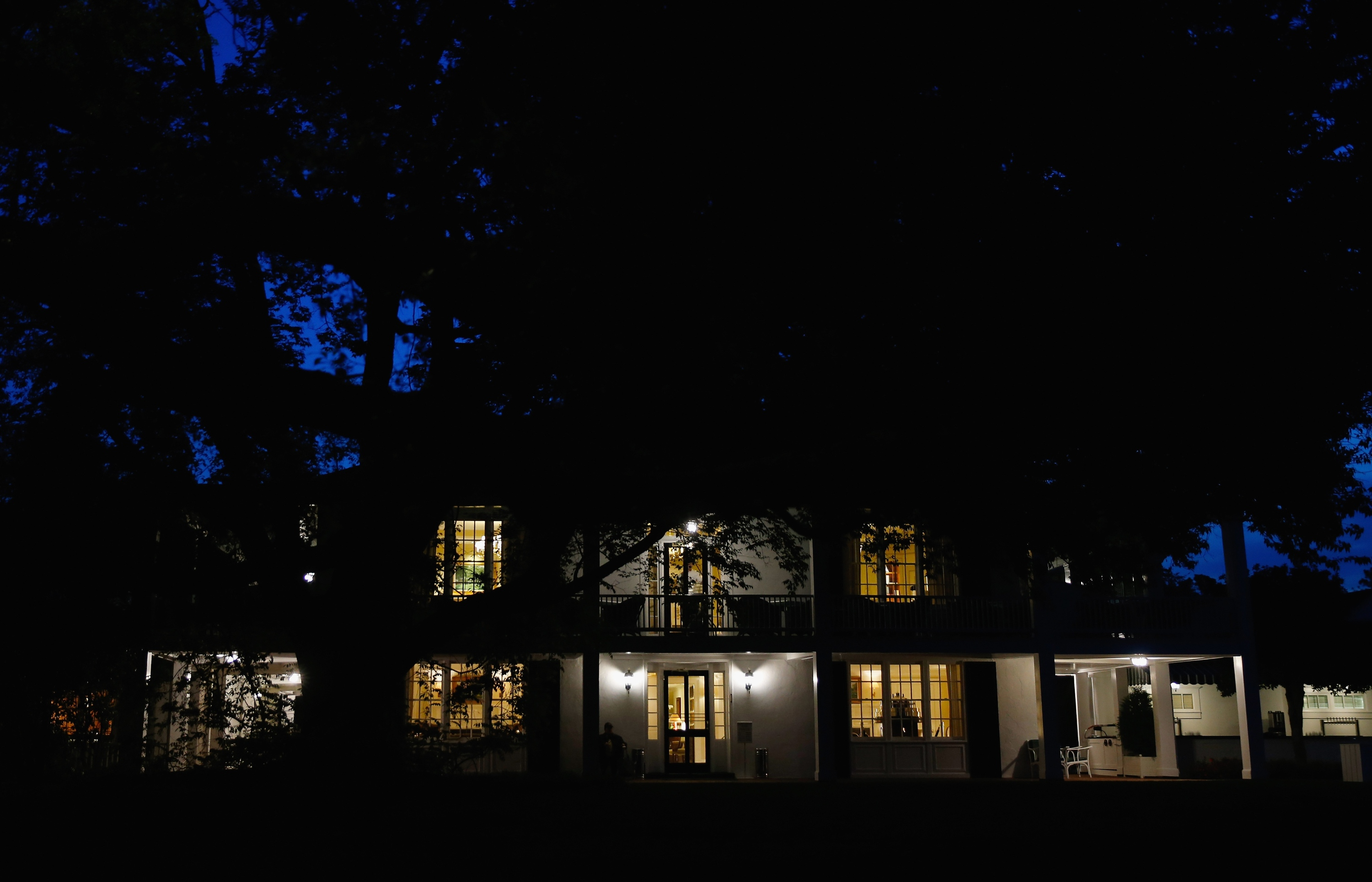 AUGUSTA, GA - APRIL 09: The clubhouse is seen before the start of the first round of the 2015 Masters Tournament at Augusta National Golf Club on April 9, 2015 in Augusta, Georgia. (Photo by Ezra Shaw/Getty Images)