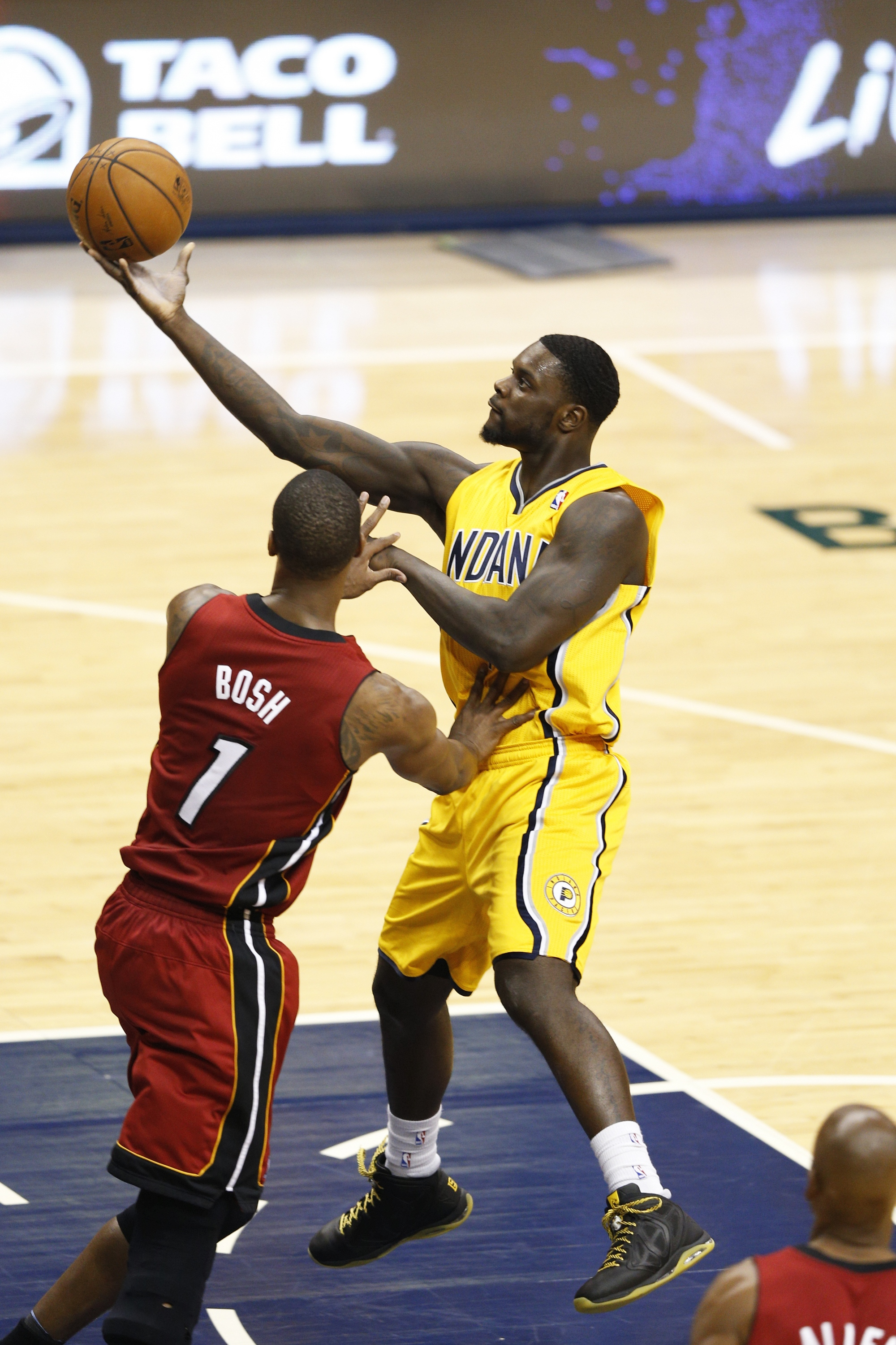 Indiana plays its best game in weeks, as the Pacers down the He…