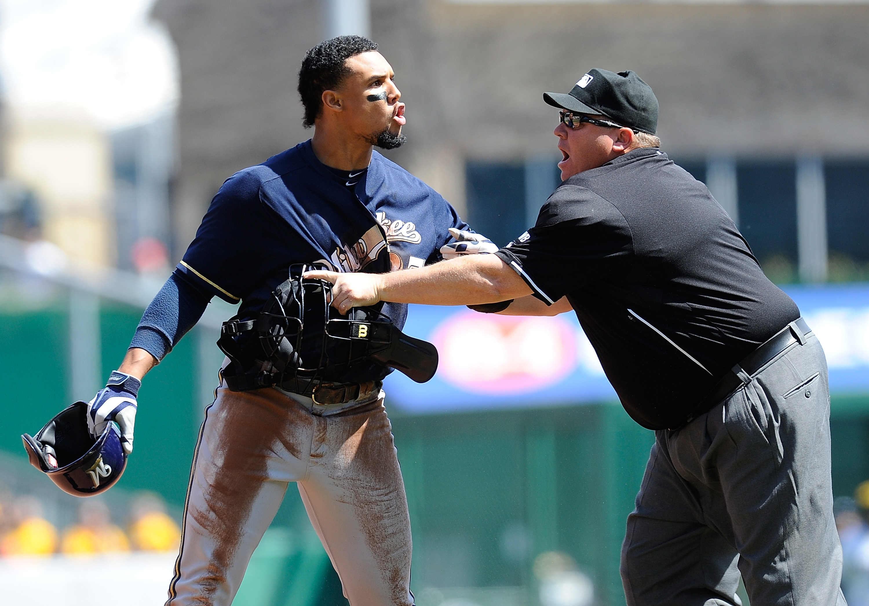 Carlos Gomez ignites benches-clearing brawl with Pirates after …