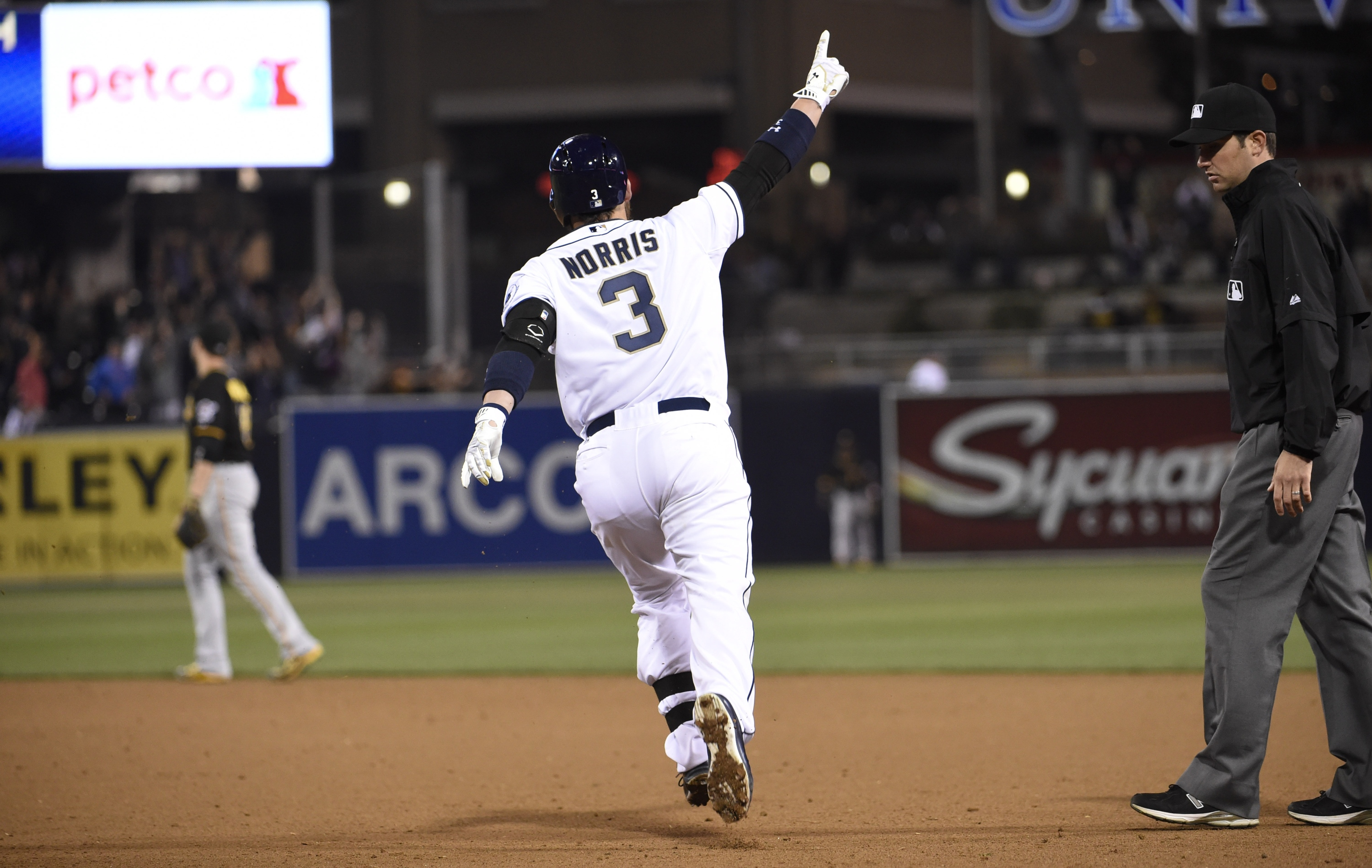 Derek Norris hits walkoff grand slam after striking out four ti…