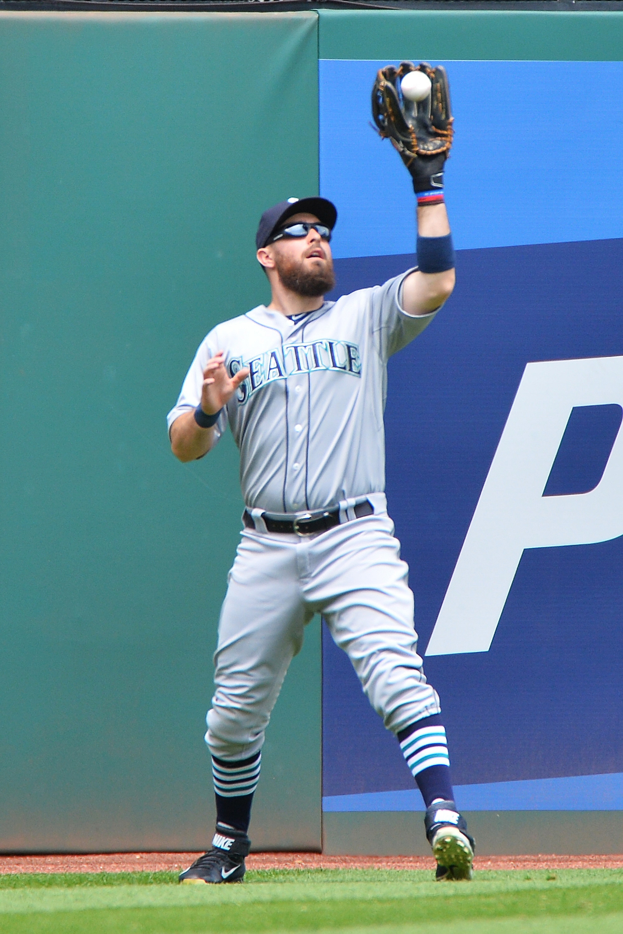 Yankees get outfielder Dustin Ackley in trade with Mariners