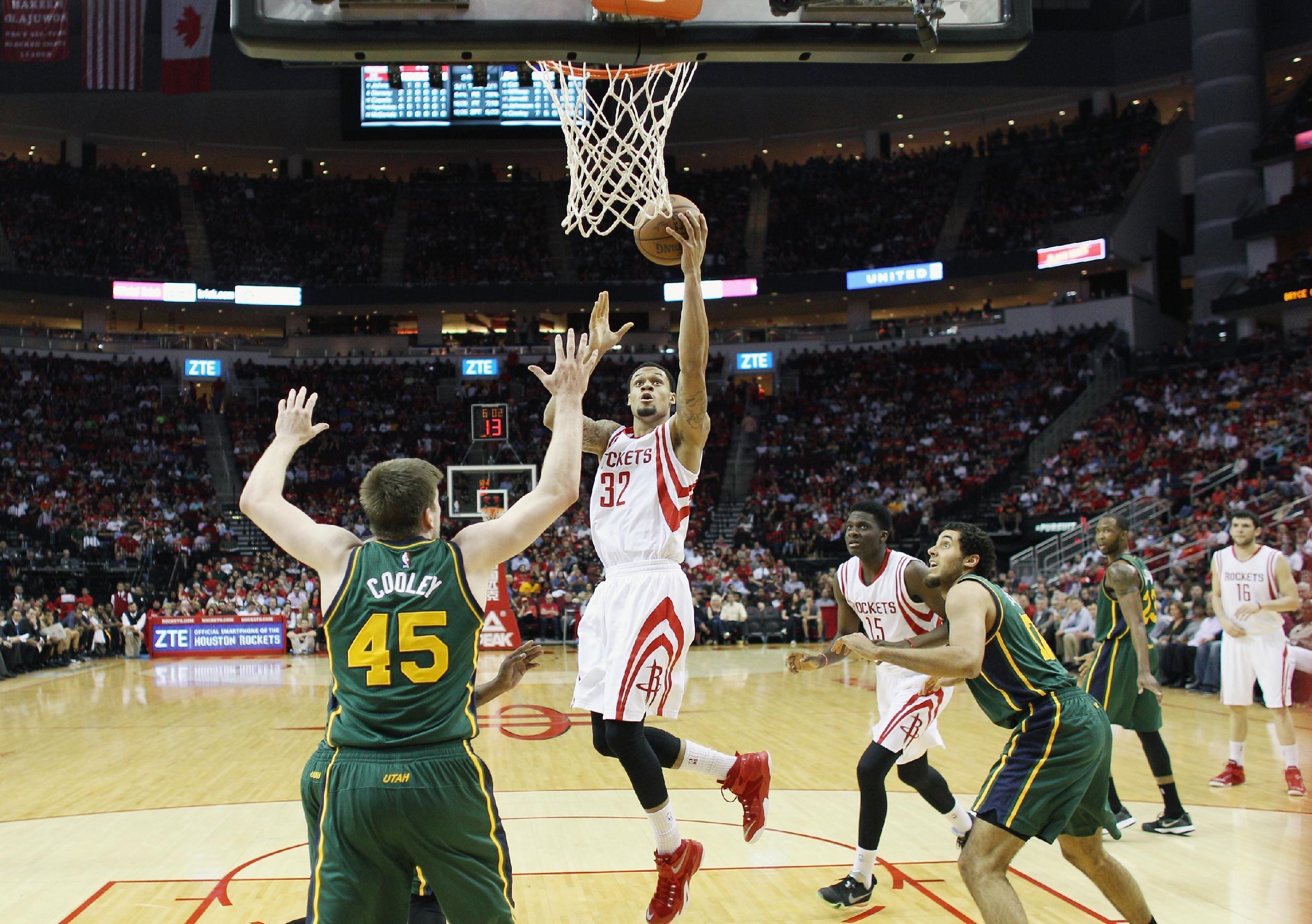Rockets re-sign McDaniels to multiyear deal