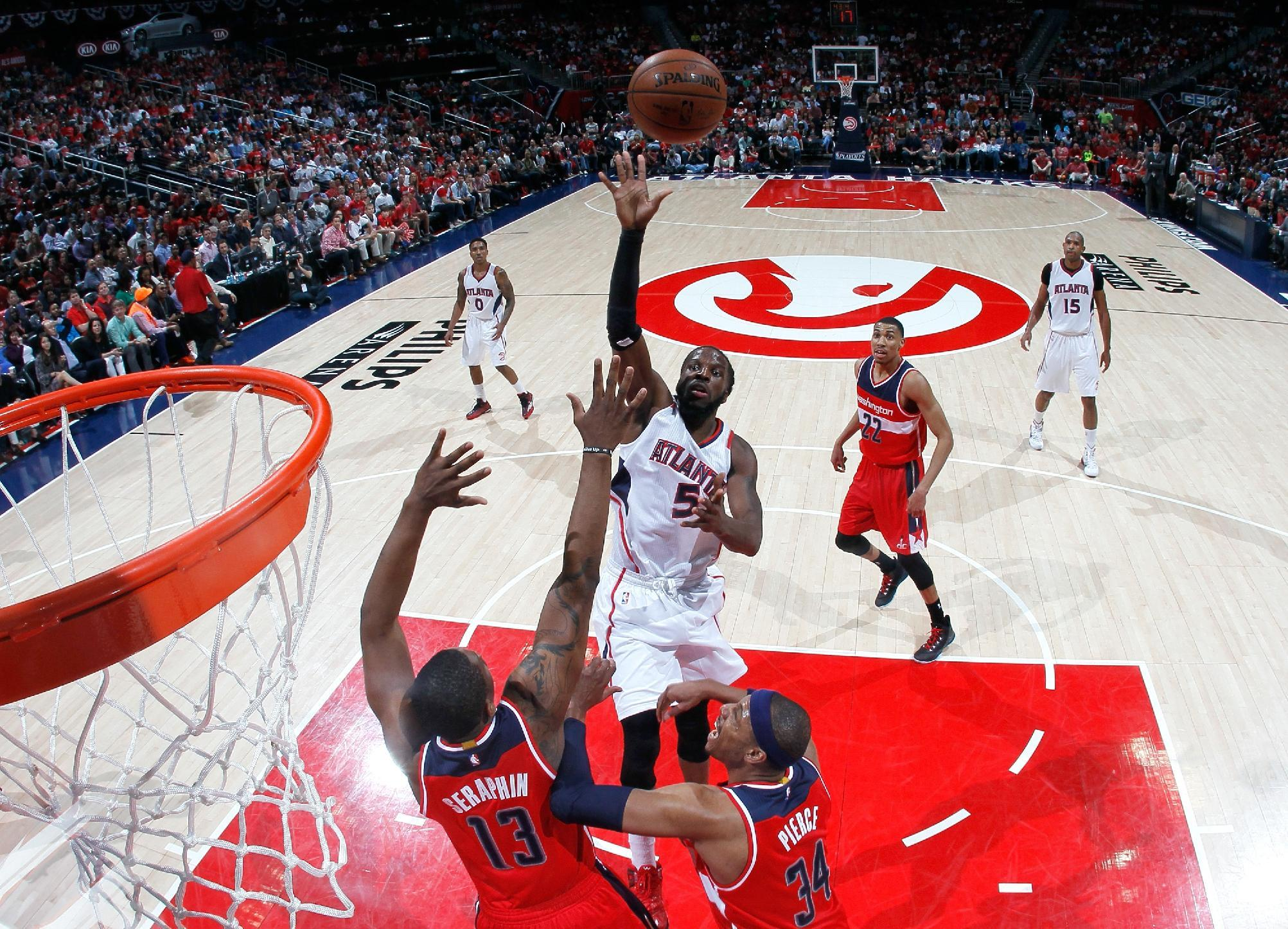 Hawks bounce back, beat Wall-less Wizards in Game 2 to tie seri…