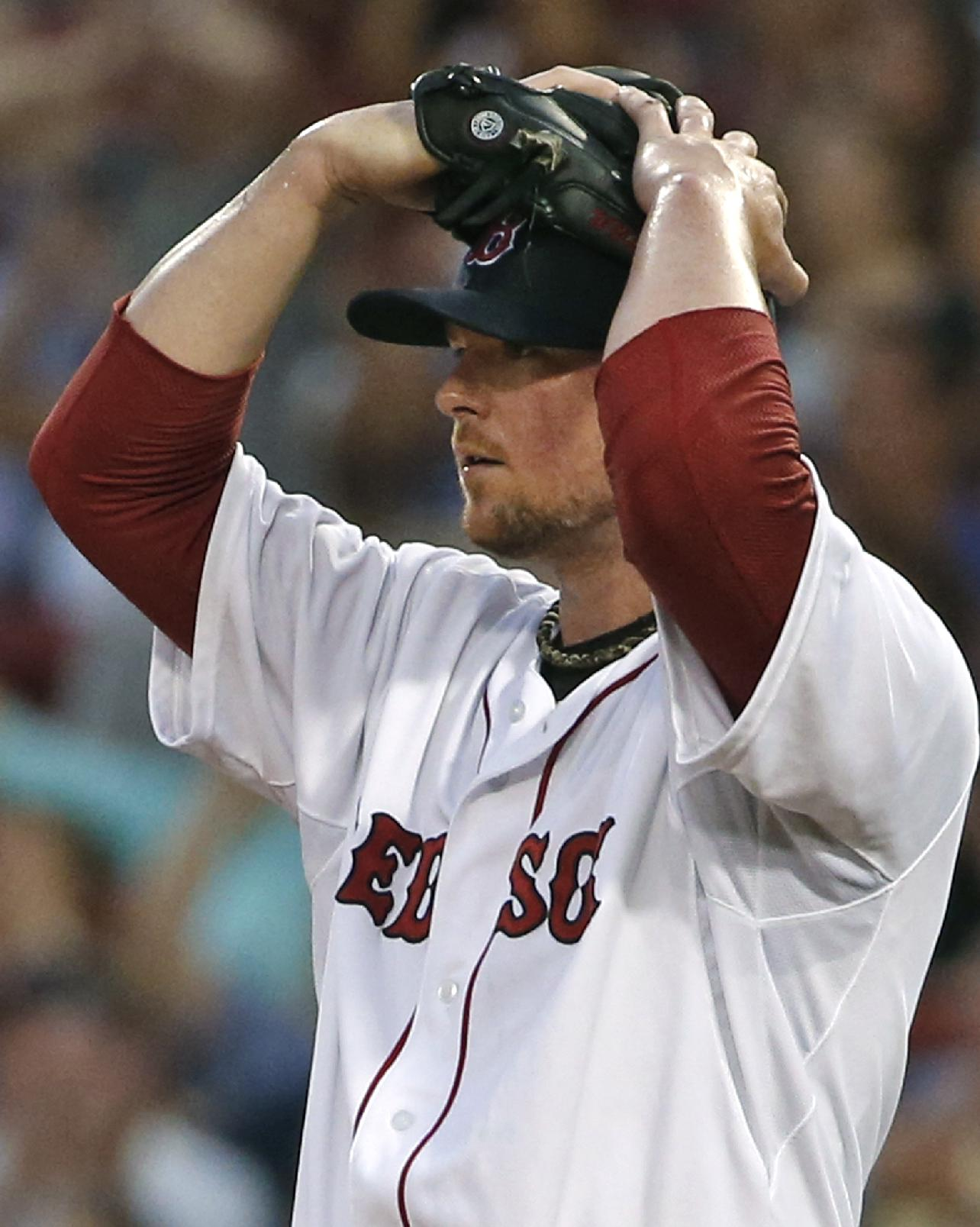 BROCK HOLT! comes out of nowhere to make catch for Jonny Gomes