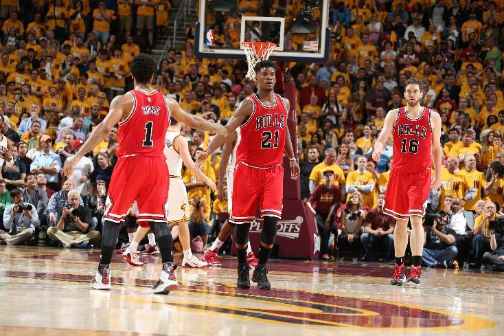 Bulls take fight to Cavs, take Game 1 on the road behind Rose, …