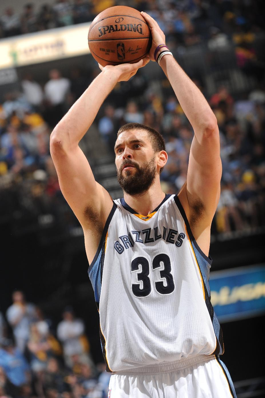 Grizzlies' Gasol out indefinitely with broken foot