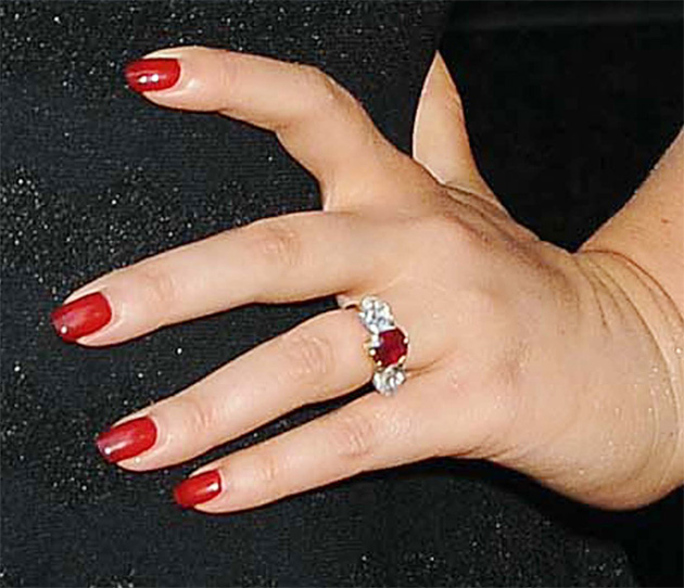 Jessica Simpsons Wedding Ring  Hollywood Life