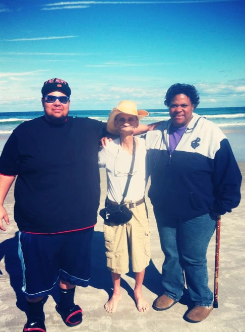 Mitch Zannette, middle, with his son Mitchell and girlfriend Tammy Bloodworth on Daytona Beach. (Zannette family)