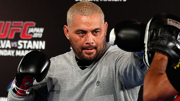 Rally for Mark Hunt delivers: 'Super Samoan' gets JDS at UFC 160
