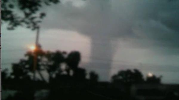 Waterspout turns to tornado in FL