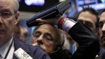 Steep market selloff continues weak 2014 for stocks, Dow tumbles over 300 points