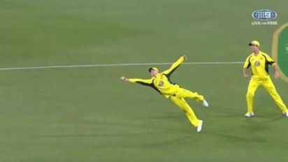 5 top one-handed catches in international cricket since the turn of the century